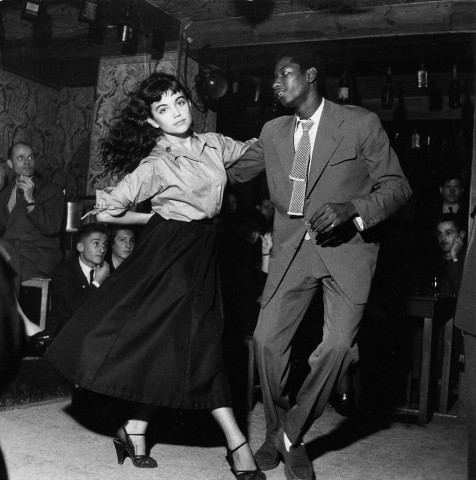 Vision board: Black and white image of couple dancing