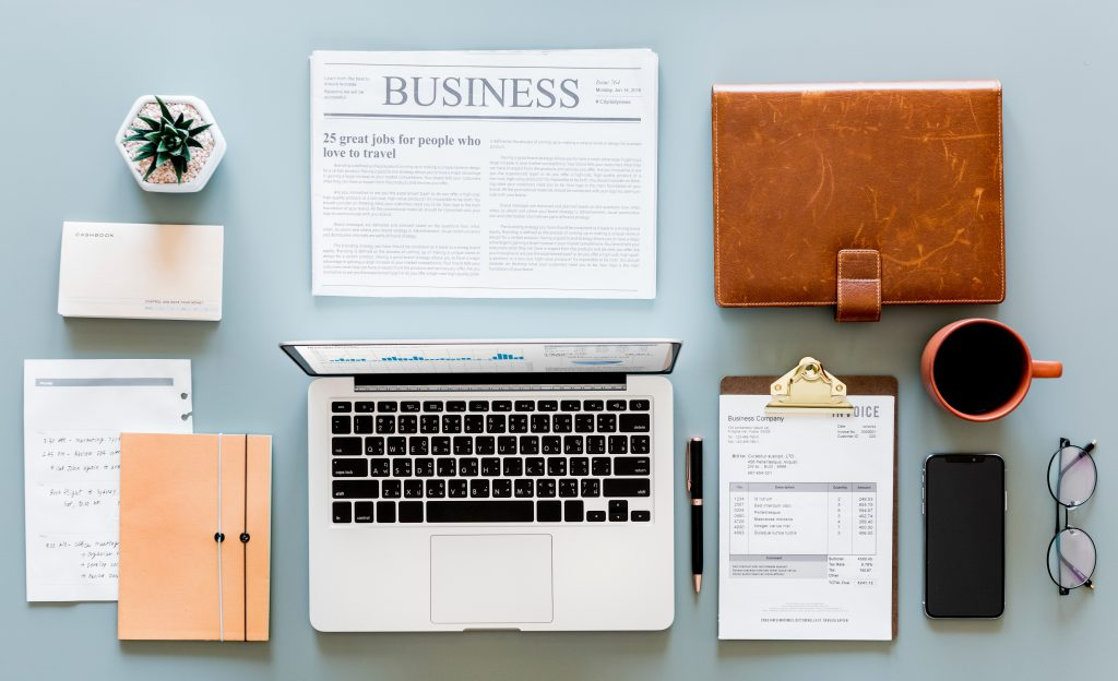Perfectionism: neatly laid out desk items
